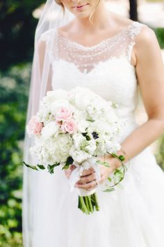 Soft Pink and White Bouquet | Jaclyn Marie Photography | Moore Flowers Berry Hill | www.theknot.com