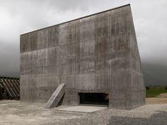 Valerio Olgiati · Auditorium Plantahof · Divisare