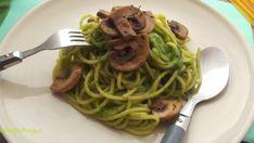 Medvehagyma pestós spagetti pirított gombával | Pálmafa Project Pesto, Spaghetti, Food And Drink, Ethnic Recipes, Projects, Log Projects, Blue Prints, Noodle