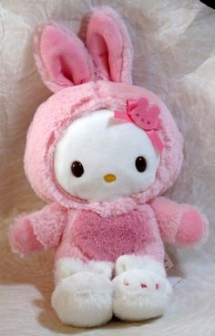 Image uploaded by Find images and videos about cute, kitty and hello on We Heart It - the app to get lost in what you love. Peluche Hello Kitty, Sanrio Hello Kitty, Kawaii Plush, Cute Plush, Little Twin Stars, Softies, Plushies, Hello Kitty Items, Hello Kitty House