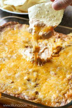 Super delicious and easy Cream Cheese Bean Dip!  http://lilluna.com  #beandip…