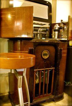 Vintage Radio Bar