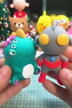 Decors Pate A Sucre Clay Projects Clay Crafts Fun Crafts Fondant Animals Fondant Decorations Cake Decorating Tutorials Clay Miniatures Clay Dolls Polymer Clay Kunst, Cute Polymer Clay, Cute Clay, Polymer Clay Crafts, Diy Clay, Diy Fimo, Diy Arts And Crafts, Fun Crafts, Decors Pate A Sucre