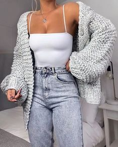 cute outfits for school ; cute outfits for winter ; cute outfits with leggings ; cute outfits for school for highschool ; cute outfits for women ; cute outfits with jeans Cute Comfy Outfits, Cute Fall Outfits, Stylish Outfits, Sporty Outfits, Spring Outfits, Basic Outfits, Cute Cardigan Outfits, Cute Outfit Ideas For School, Knitted Jumper Outfit