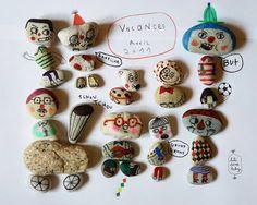 50 Creative Examples of Stone Art Design: Picture Gallery - ekstrax Pebble Painting, Pebble Art, Stone Painting, Stone Crafts, Rock Crafts, Arts And Crafts, Rock Family, The Family Stone, Family Family