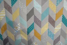 Chevron/diamond quilt top. By @Ann Flanigan Flanigan Flanigan Flanigan-Marie Soelberg - minus the half square triangle part of this.  Easier to make it from strips