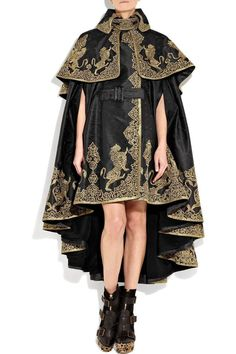 Alexander Mcqueen Embroidered Silk-jacquard Cape in Black Alexandre Mcqueen, Haute Couture Style, High Fashion, Womens Fashion, 90s Fashion, Vintage Mode, Character Outfits, Looks Style, Mode Inspiration