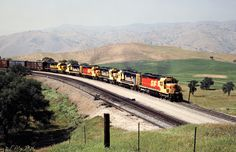 ATSF/SP, Bealville, California, 1989 Eastbound Atchison, Topeka and Santa Fe freight train on Southern Pacific Railroad track in Bealville, California, on April 14, 1989. Photograph by John F. Bjorklund, © 2016, Center for Railroad Photography and Art. Bjorklund-87-26-20