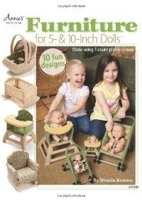 Learn how to make furniture in plastic canvas for your dolls and toys. Plastic canvas furniture for doll - patterns crafts Furniture For 5 & 10 Inch Dolls (aff link)