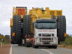 Volvo FH16, oversized load