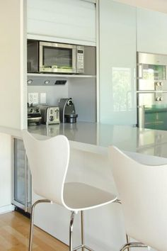 roll down appliance garage on bar - ideally everything can be stored plugged in and ready to use either in cupboard or pulled to adjacent bench. Kitchen Reno, Kitchen And Bath, New Kitchen, Kitchen Storage, Kitchen Design, Kitchen Ideas, Appliance Cabinet, Appliance Garage, Small Appliances