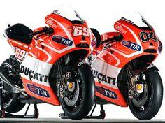 First Shots of the Ducati Desmosedici GP13 Photo right around the corner!