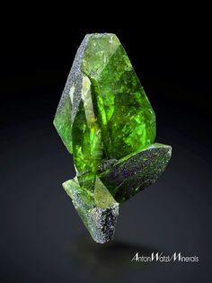 Titanite, CaTiSiO5, Habach valley, Pinzgau, Austria. Size: 6.2 cm