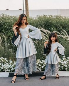 Repost We Wear Glam Repost We Wear Glam - ThealiceOnline Mom Daughter Matching Outfits, Mommy Daughter Dresses, Mother Daughter Fashion, Mom Dress, Pakistani Dresses Casual, Indian Gowns Dresses, Pakistani Dress Design, Pakistani Fashion Casual, Baby Dresses