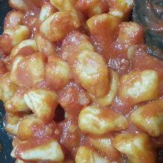 GNOCCHI DI RICOTTA FATTI IN CASA RICETTA FACILE | Fatto in casa da Benedetta Rossi Chorizo, Ricotta Gnocchi, Pesto, Shrimp, Recipes, Food, Zucchini, Essen, Eten