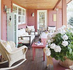 Front Porch Decor with Vintage Decor Vintage Porch, Vintage Decor, Vintage Style, Decorating Blogs, Porch Decorating, Cheap Plants, Modern Floor Plans, Healthy Living Magazine, Plant Decor