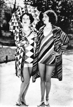 Bathing suit designs by Sonia Delaunay circa 1927 Sonia Delaunay, Robert Delaunay, 20s Fashion, Fashion History, Art Deco Fashion, Vintage Fashion, Classic Fashion, Fashion Outfits, Moda Art Deco