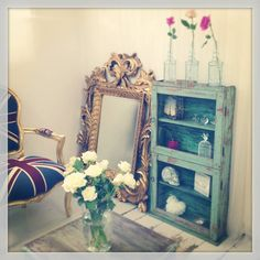 This Vintage display cabinet has an amazing look to create the perfect Display cabinet £349.95