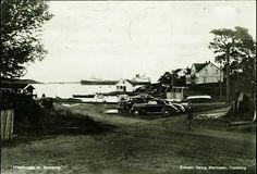 Vestfold fylke Tønsberg. Husøbrygga med bl.a. en del biler Utg Georg Martinsen, postgått 1952