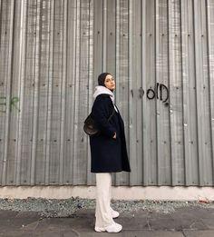 Modern Hijab Fashion, Street Hijab Fashion, Hijab Fashion Inspiration, Muslim Fashion, Hijab Style, Hijab Chic, Casual Hijab Outfit, How To Pose, Winter Fashion Outfits