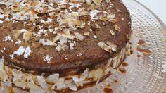 Koko Suomi leipoo -ohjelman neljännessä jaksossa Lorin mokkakakun mausteena oli vaahterasiirappia.
