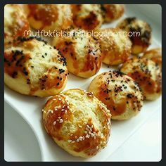 Kogir is very practical POGACA (dough can be left in the refrigerator for days, guests came immediately to do . Cute Food, Yummy Food, Turkish Recipes, Ethnic Recipes, Savory Pastry, Tea Time Snacks, Salty Snacks, C'est Bon, Food Design