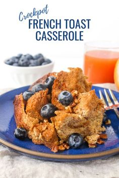 This overnight crockpot french toast recipe is a super easy make ahead breakfast idea that's fancy enough for brunch, too! Add sliced bananas and blueberries with maple syrup on top, or whatever you prefer! #frenchtoast #crockpot #slowcooker #breakfastrecipes #easybreakfast Crockpot French Toast, Overnight French Toast, French Toast Bake, French Toast Casserole, Breakfast Casserole, Breakfast Toast, Make Ahead Breakfast, Breakfast Time, Breakfast Ideas