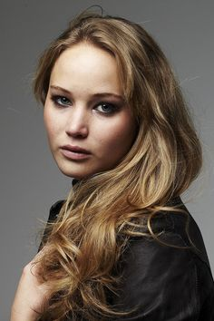 Jennifer Lawrence as katness everdeen