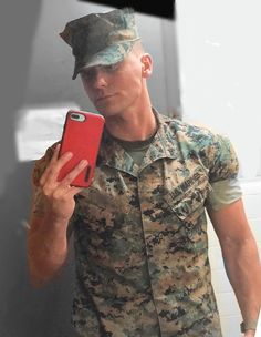 Pin by randy weiser on military hunks in 2019 sexy military men, military m Hot Army Men, Sexy Military Men, Stylish Men, Men Casual, Men In Uniform, Marines Uniform, Police, Bear Men, Country Men