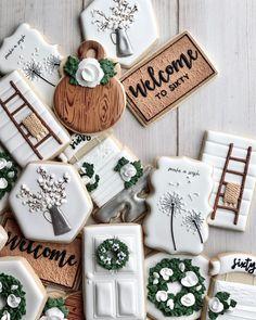Cookie Icing, Royal Icing Cookies, Cookie Jars, Sugar Cookies, Fall Cookies, Spice Cookies, Custom Cookies, How Sweet Eats, Sugar And Spice