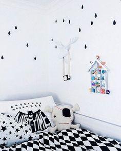 Wand decoratie. Voor meer inspiratie kijk ook eens op http://www.wonenonline.nl/interieur-inrichten/wandbekleding-behang/