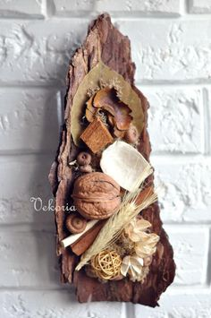 Best 12 Old Picket Fence Fall Burlap & Pumpkin Floral Arrangement Front Door Decor… – SkillOfKing. Nature Crafts, Nature Decor, Home Crafts, Diy And Crafts, Christmas Candle Decorations, Christmas Wreaths, Christmas Crafts, Christmas Holiday, Christmas Art For Kids