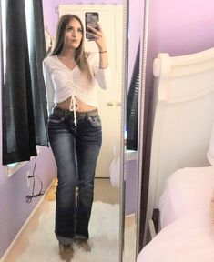 Selfie A beautiful, sexy woman who obviously has a high impression of herself. Cowboy Outfits For Women, Summer Cowgirl Outfits, Country Girl Outfits, Cowgirl Style Outfits, Rodeo Outfits, Western Outfits, Western Wear, Cute Outfits, Fiesta Outfit
