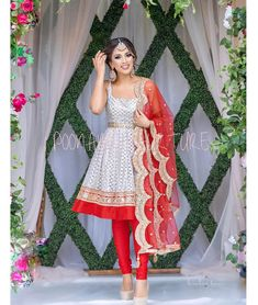 Simple Pakistani Dresses, Indian Gowns Dresses, Indian Fashion Dresses, Dress Indian Style, Indian Designer Outfits, Simple Dresses, Indian Outfits, Designer Dresses, Indian Wear