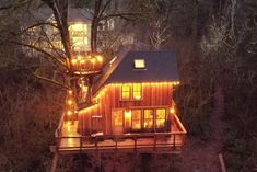 Emerald Forest Treehouse - From Treehouse Masters - Treehouses for Rent in Redmond, Washington, United States The Loft, Drive In, Twin Peaks, Treehouse Masters, State Parks, Stay Overnight, Hotel Stay, Luxury Camping, Wood Interiors