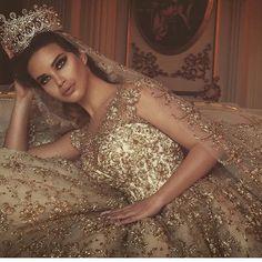 Goodnight dears x   Gown @frida_xhoi   Photography @juxhinkurti #theoneinwhite #weddings #wedspiration #igers #instagood #instadaily #goodnight #dreamwedding #inspo #love #royal #queen #details #sydney #bridal #blog