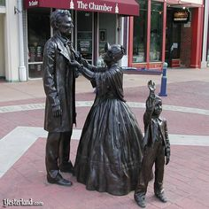 Larry Anderson, Bronze Abe Lincoln, Mary and Todd Lincoln, Springfield, Illinoise