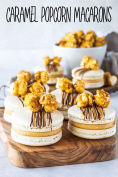 Caramel Popcorn Macarons, filled with salted caramel buttercream and topped with the best caramel popcorn I have ever made! Caramel Recipes, Popcorn Recipes, Cookie Recipes, Dessert Recipes, Macaroon Recipes, Mini Desserts, Party Recipes, Yummy Recipes, Recipies