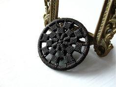 ButtonShop.ca- Victorian Dorset buttons