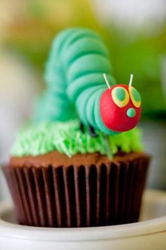 How cute Hungry Caterpillar Cupcakes