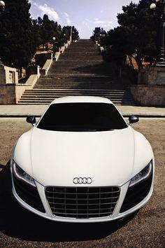 reals: Audi R8 V10   Photographer