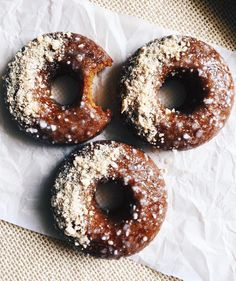 PUMPKIN SPICED DOUGHNUTS by @shweetea 🙊 Thanks for tagging me babe! Make sure to tag me lovelies for a chance to be featured. 💫  Makes 3 doughnuts  Dry Ingredients: 1/2 cup (64g) cake flour  1/2 tsp baking powder  1 tsp baking soda  1 tsp pumpkin spice  1/2 tsp cinnamon  Wet Ingredients: 1/4 cup coconut or brown sugar  3 tbsp melted coconut oil  1/4 cup pumpkin purée  1/4 cup room temp. non dairy milk  1/2 tbsp apple cider vinegar  1/2 tsp pure vanilla extract  Cream Cheese Glaze: 1/2 cup…