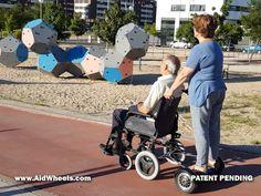 silla de ruedas manual con motor electrico acompañante hoverboard motor auxiliar acompañante para sillas de ruedas manuales HoverPusher de AidWheels