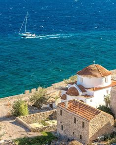 Monemvasías, Lakonia, Greece @xristos_x_paravalos #monemvasias #lakonia #greece Monemvasia Greece, Corfu, Crete, Wonderful Places, Beautiful Places, Santorini Villas, Myconos, Greek Beauty, Greek Wedding