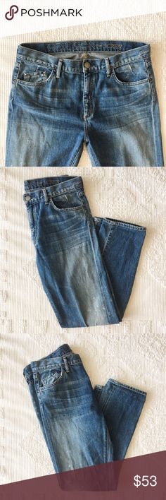 """Goldsign for J. Crew """"Jeane"""" Cropped Jeans 🍑 Size 32 (16"""" lay flat taken) with 27"""" inseam 🍑 Color: Distressed Light Blue  🍑 EUC. See photos as the are always the best depiction of an item's condition.  🍑 by Goldsign for J. Crew  ✨ Price is FIRM unless bundled  ✨ All items from a smoke free home  ✨ Please ask questions prior to purchase Goldsign Jeans Ankle & Cropped"""
