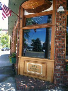 Corner Bar Restaurant Sag Harbor