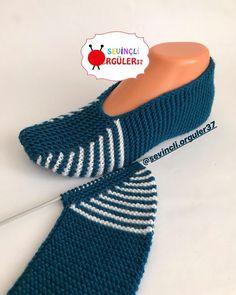 Mutlu bol güneşli ☀️ bir hafta diliyorum herkese 🙋🏻♀️🙋🏻… Happy plenty of sunshine orum wish everyone a week 🙋🏻♀️🙋🏻♀️. Crochet Socks Pattern, Shoe Pattern, Baby Knitting Patterns, Booties Crochet, Crochet Shoes, Knitted Slippers, Knitted Hats, Diy Earrings Supplies, Crochet Ripple