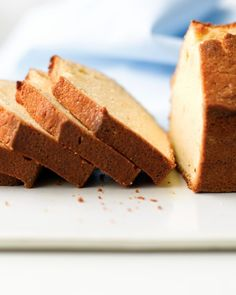 This vanilla pound cake has less fat and sugar than the traditional one and I think it will be perfect for my trifle.