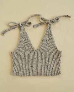 Knitwear Fashion, Knit Fashion, Crochet Clothes, Diy Clothes, Knitting Patterns Free, Crochet Patterns, Knitted Tank Top, Knit Tops, Crochet Tank Tops