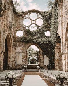 Abbaye Vaux de Cernay in Cernay-la-ville, France. Photography by Laurene and the Wolf. Wedding Goals, Wedding Planning, Dream Wedding, Wedding Day, Wedding Dreams, Wedding Tips, Wedding In Greece, Perfect Wedding, Wedding Castle